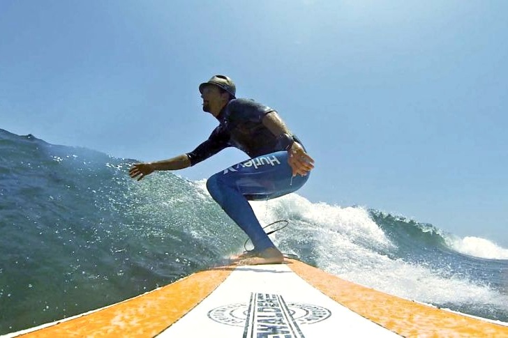 Jason Mraz is a surfing celebrity