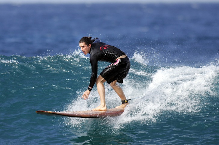 Orlando Bloom is a surfing celebrity