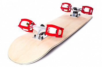 Skater trainers: a plastic device that prevents skateboard wheels from rolling | Photo: SkaterTrainer
