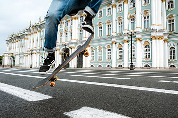 Frontside 180: one of the most popular skateboarding tricks | Photo: CottonBro/Creative Commons