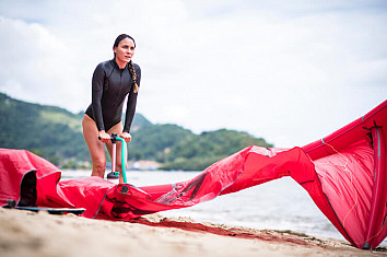Kite pumps: an essential piece of kiteboarding equipment | Photo: Red Bull