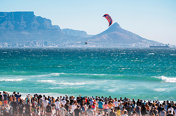 Red Bull King of the Air: the world's best big air kiteboarders reach for the sky at Cape Town | Photo: Red Bull