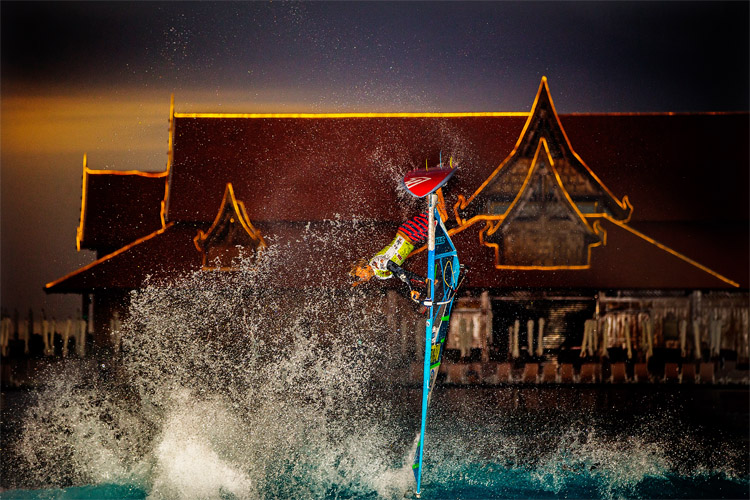 Adam Lewis: winner of the Siam Park Dunkerbeck Extreme Jump Challenge 2016 | Photo: Carter/PWA
