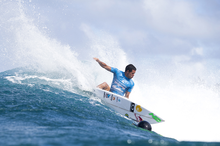 Adriano de Souza: carving at Backdoor | Photo: Cestari/WSL