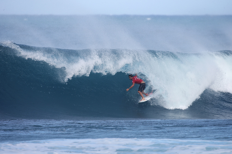 Adriano de Souza: a hard-working surfer | Photo: Masurel/WSL