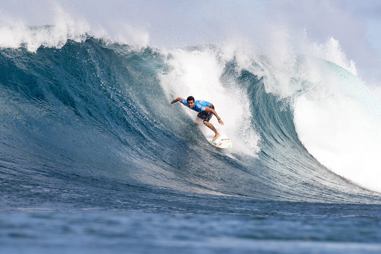 Adriano de Souza: eyeing a Backdoor gem | Photo: Cestari/WSL