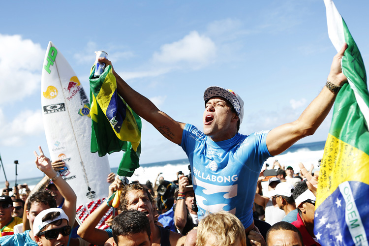 Adriano de Souza: another one for Brazil | Photo: Kirstin/WSL