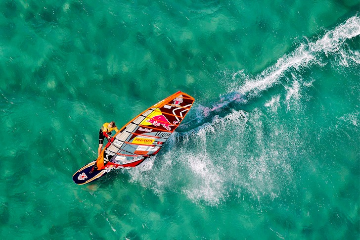 Windsurfing: water is always the best drink | Photo: PWA/Carter