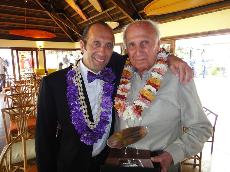 Fernando Aguerre and Eduardo Arena: the president and the founder of the International Surfing Association | Photo: ISA