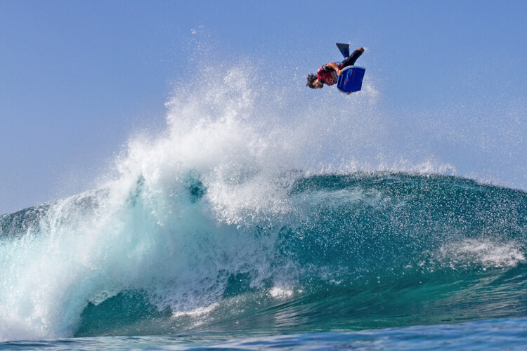 Air reverse: speed, projection, and momentum are key to landing this advanced bodyboarding trick | Photo: Fronton King