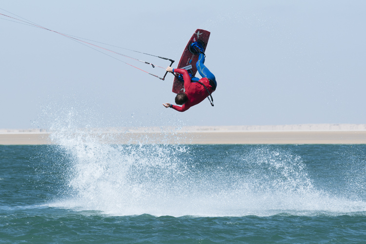 Kiteboarding: going up or coming down? | Photo: VKWC