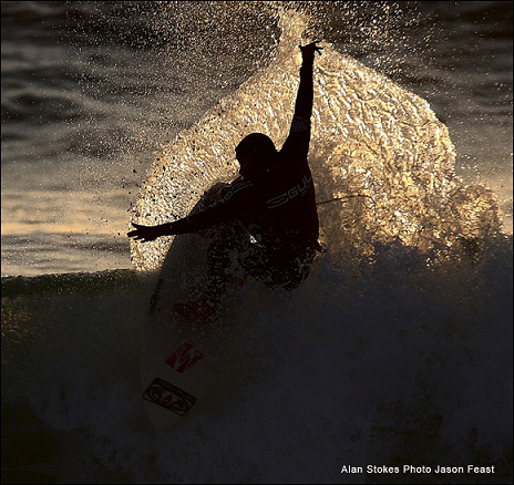 Alan Stokes wins the Gul Night Surf at Fistral Beach