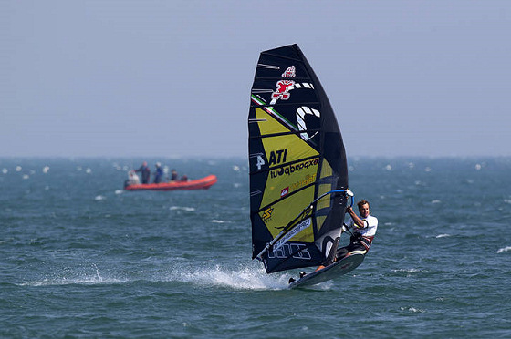 Alberto Menegatti: maiden victory in the PWA World Tour