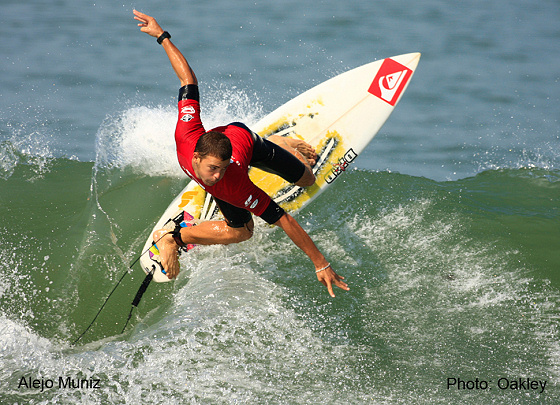 Alejo Muniz conquers the Oakley Pro Junior in Brazil