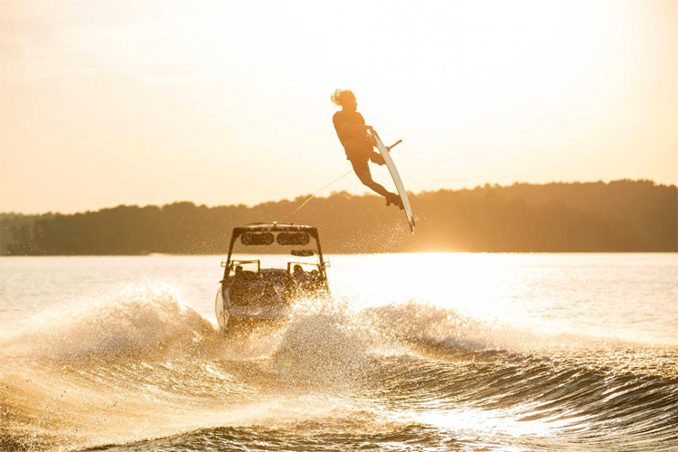 Alex Graydon: cruising in Alabama | Photo: BuyWake/Alliance Wake