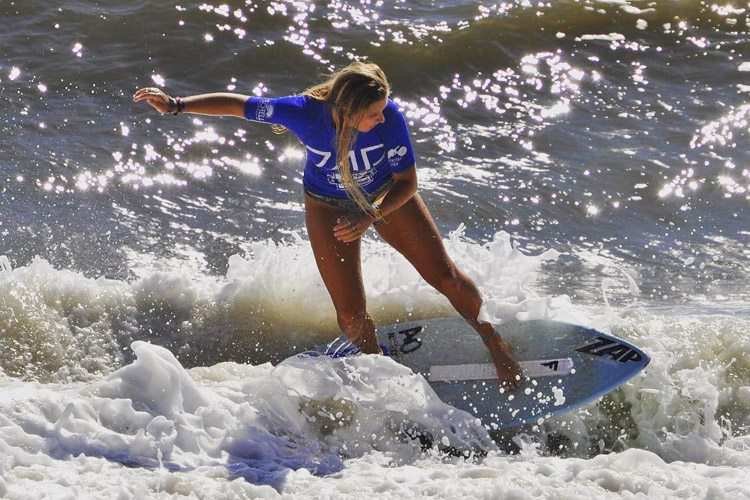 Alex Yokley: she won the Women's division at Dewey Beach | Photo: Caputo/Skim USA