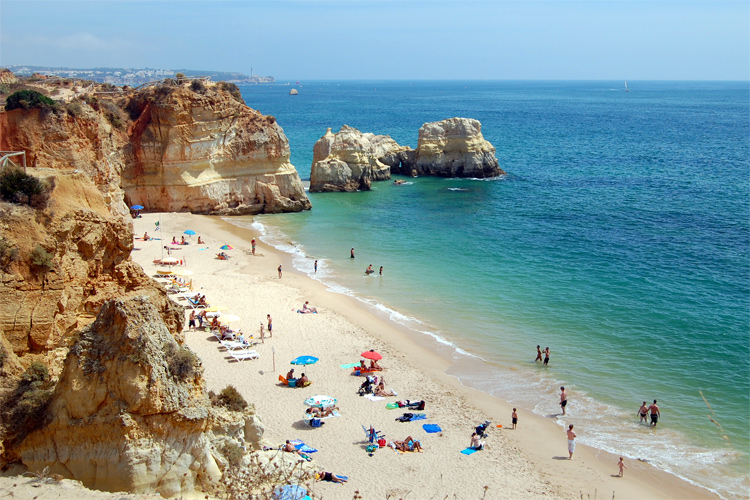Algarve: one of the most popular summer holiday destinations on the planet | Photo: Creative Commons