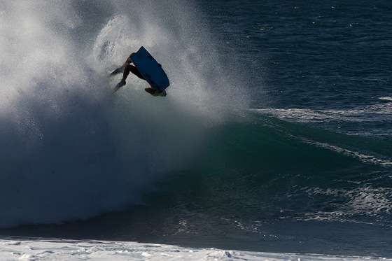 Amaury Lavernhe: back flip to victory at Pipeline