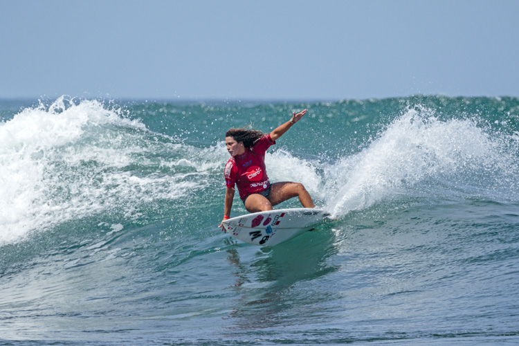 Anali Gomez: she won a gold medal for Peru in the ISA World Surfing Games | Photo: Reed/ISA