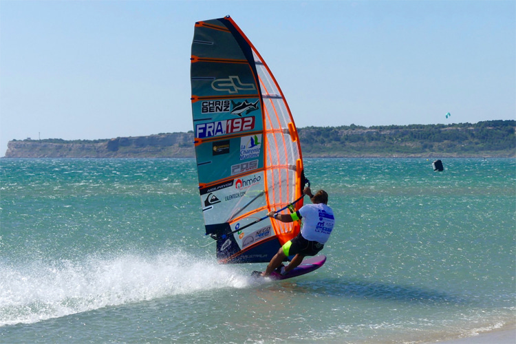 Antoine Albeau: he holds three windsurfing speed sailing world records | Photo: POS