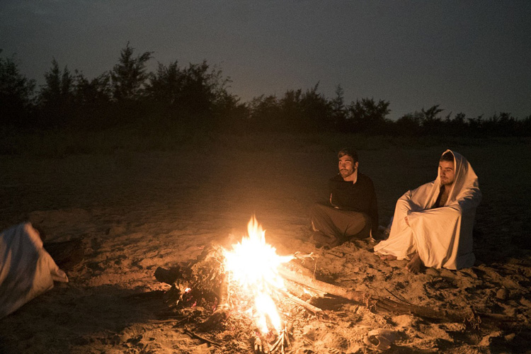 Aritz, Natxo, Kepa and Jon: a night with crabs and mosquitoes | Photo: Aspuru
