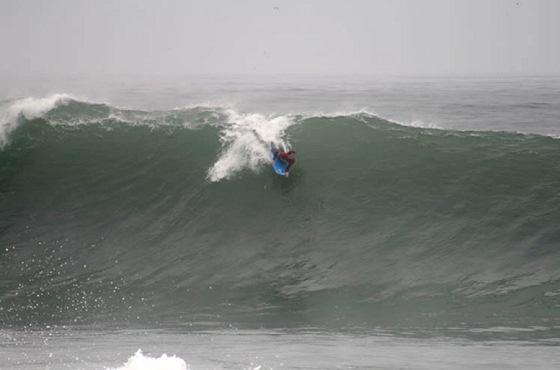 Big Waves Greet Pro Bodyboarders Of The 2009 Arica Chilean