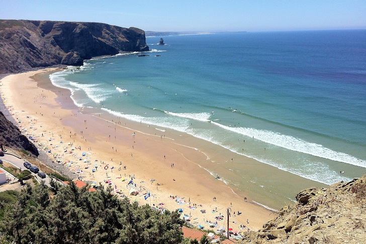 Arrifana, Portugal: beautiful waves and beautiful people | Photo: SurferToday.com