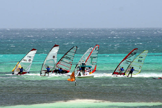 Aruba Hi-Winds: different shades of windsurfing