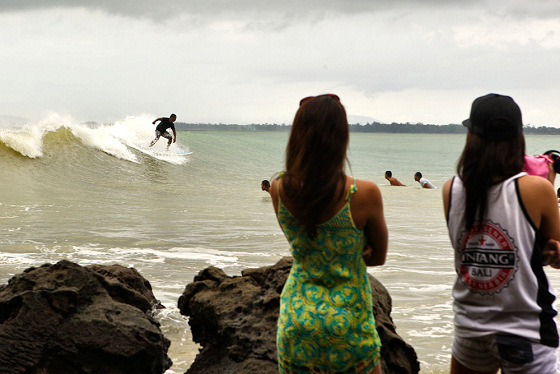 Surfing in Asia: fans are everywhere
