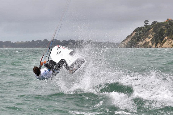 Sail Auckland 2013: kiteboarding fleet storms the regatta field