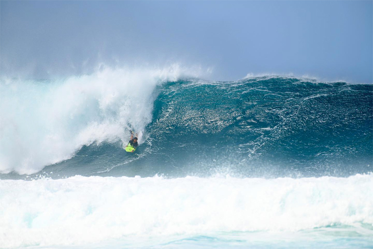 Ayaka Suzuki: the Japanese world champion finished 25th at the 2020 Mike Stewart Pipeline Invitational | Photo: Perez/APB