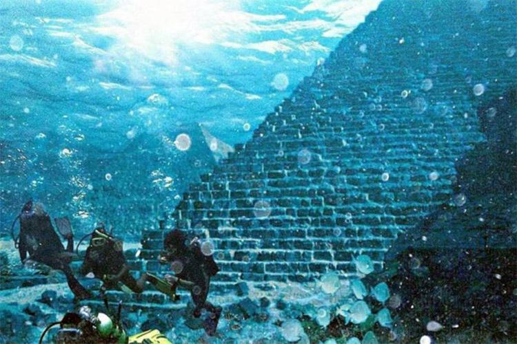 pirámide bajo el agua: es el Atlantis encuentra cerca de las Azores?