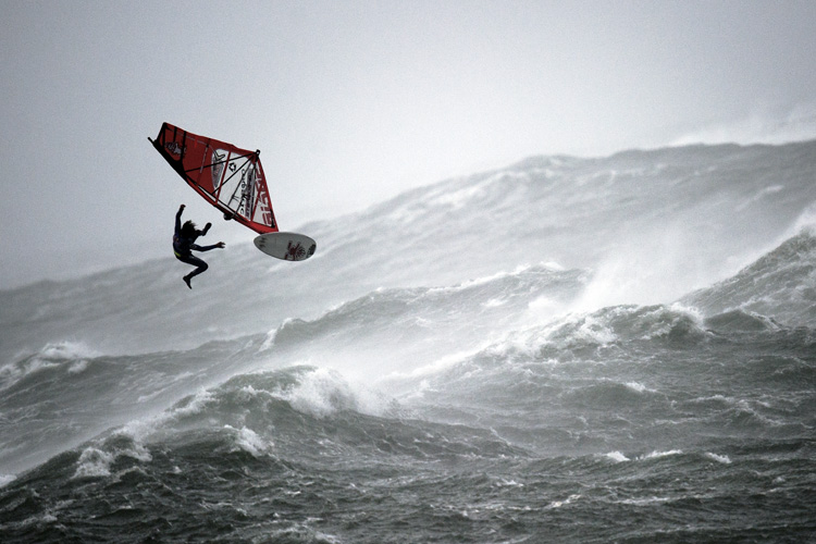 Windsurfing: you need balance in life, too | Photo: Marko/Red Bull
