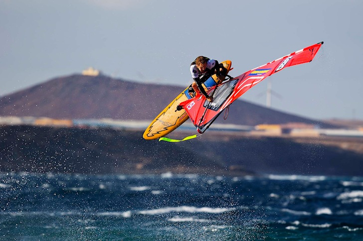 Windsurfing: balance training is a controversial issue | Photo: PWA/Carter