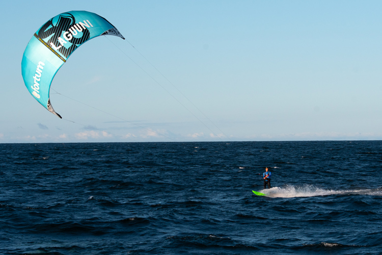Baltic Sea: three Finnish kitesurfers sailed from Sandhamn, Sweden, to Hanko, Finland | Photo: Laguuni