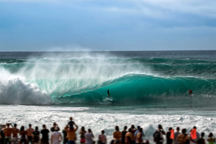 Banzai Pipeline: the mother of all barreling waves | Photo: Creative Commons