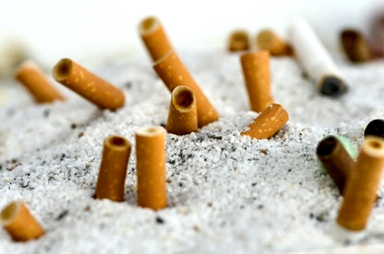 Beach cigarettes: the end is near