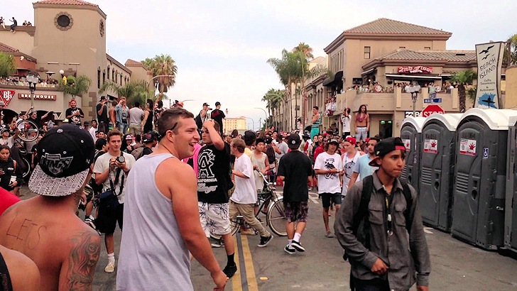 Huntington Beach: riots broke after the US Open of Surfing 2013