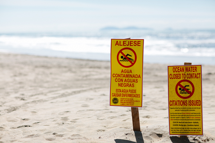 U.S.-Mexico border beaches: discharged sewage is causing conjunctivitis, stomach infections, and ear infections | Photo: Surfrider