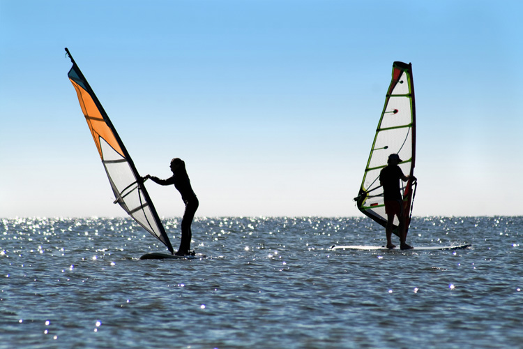 Windsurfing: beginner tips will make you progress faster | Photo: Shutterstock