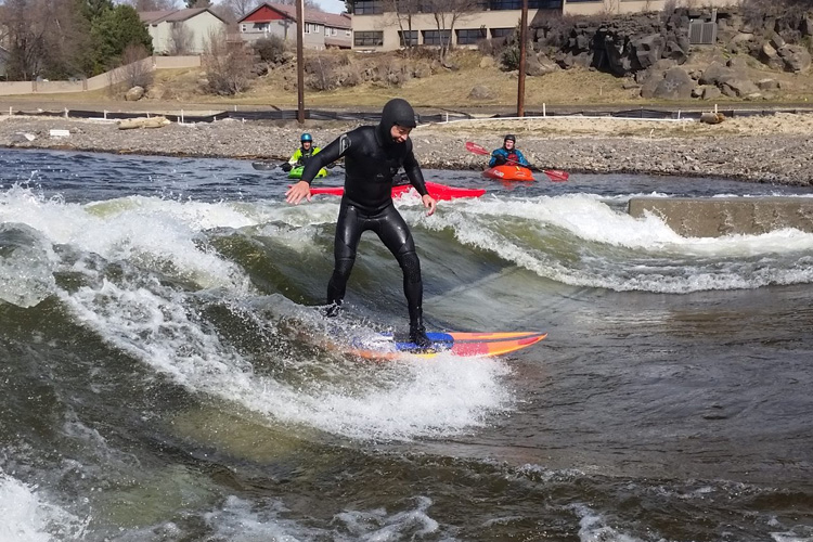 Bend Whitewater Park: the new artificial wave got the support from Surf Anywhere | Photo: BWP