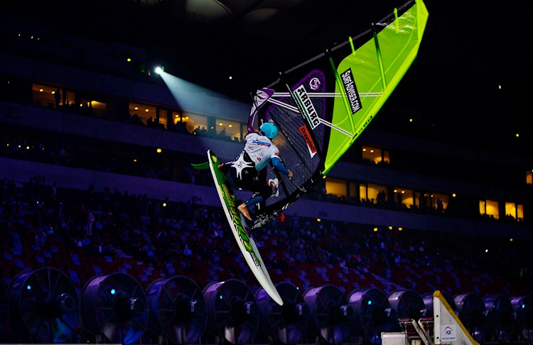 Ben Proffitt: showing off at the PWA Indoor 2014 | Photo: PWA/Carter