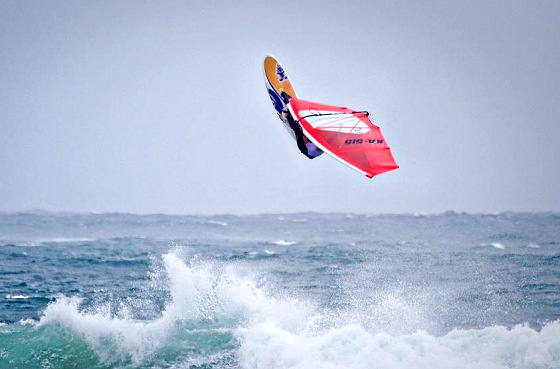 Ben Severne: wave windsurfing master | Photo: White Caps