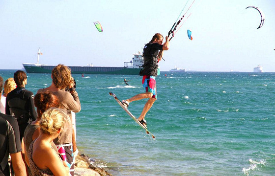 Best Kiteboarding: watch the warranty, mate
