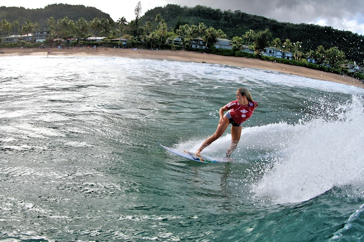 Bethany Hamilton wins the Pipeline Women's Pro 2014