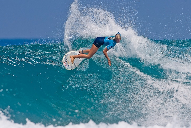 Bethany Hamilton: she surfs like a girl | Photo: ASP
