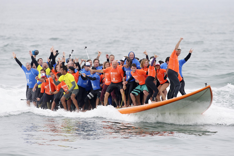 Huntington Beach: a ride for the Guinness World Record | Photo: Surf City USA