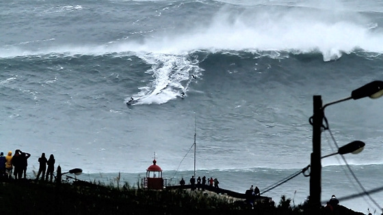 Big wave surfing: the 100-foot wave is the ultimate goal