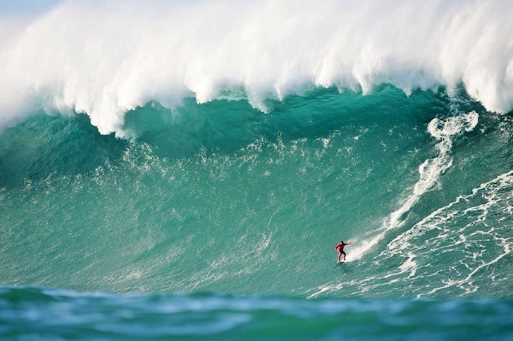 Big wave surf spots: these breaks are for experienced riders only