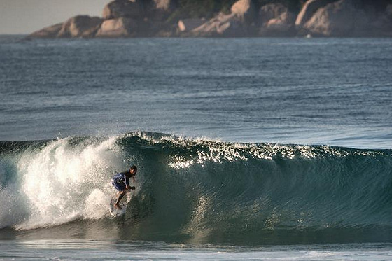 Billabong Rio Pro: Barra da Tijuca is pumping